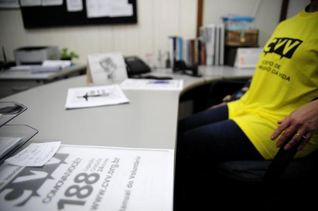 Prontos para ouvir: voluntários do Centro de Valorização da Vida se dedicam à prevenção do suicídio em Caxias Marcelo Casagrande/Agencia RBS