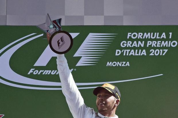 Lewis Hamilton vence GP da Itália e é novo líder do Mundial Miguel Medina/AFP