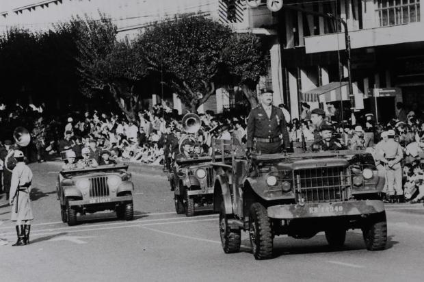 Memória: 3º GAAAe na Semana da Pátria de 1992 Antonio  Santo/Agencia RBS