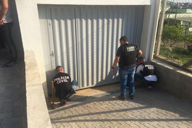 Investigação sobre furto leva polícia a locais que escondiam produtos e veículos levados por ladrões na Serra Aline Martinelli/Divulgação