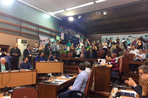 Por unanimidade, vereadores rejeitam pedido de impeachment do prefeito de Caxias do Sul André Tajes / Agência RBS/Agência RBS