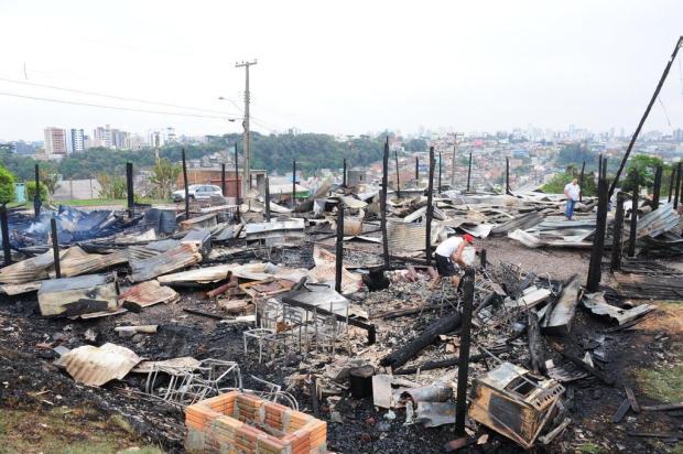 Comunidade pode auxiliar CTG atingido por incêndio em Caxias do Sul Roni Rigon/Agencia RBS