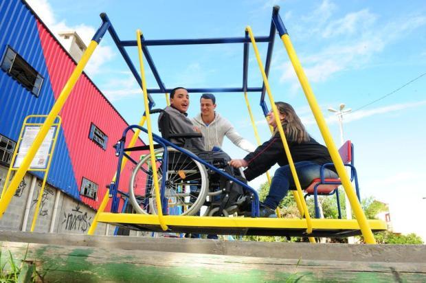 Escola de Caxias viabiliza compra de balanço para cadeirantes por meio de mobilização junto à comunidade Roni Rigon/Agencia RBS