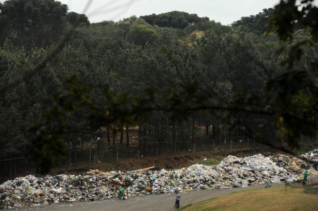 """""""Trata-se de uma excepcionalidade"""", diz Codeca sobre acúmulo de lixo a céu aberto no bairro Cidade Nova em Caxias Diogo Sallaberry/Agencia RBS"""