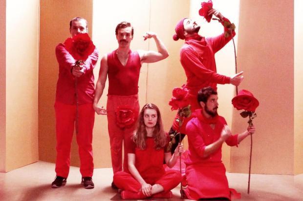 """3por4: Espetáculo """"Cerimonial - Um Teatro Escarlate"""" ocorre neste sábado, em Caxias Grupo A Gangorra/Divulgação"""