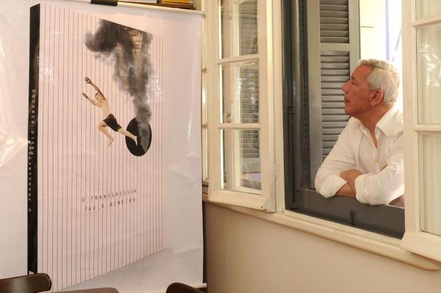Não é um assalto. É uma transgressão: O escritor Paulo Ribeiro prepara-se para lançar a 19ª obra às vésperas da Feira do Livro Diogo Sallaberry/Agencia RBS