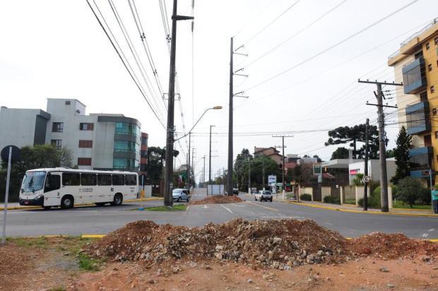 Construção de rótula em bairro de Caxias se arrasta por mais de dois anos e gera reclamação de moradores Roni Rigon/Agencia RBS