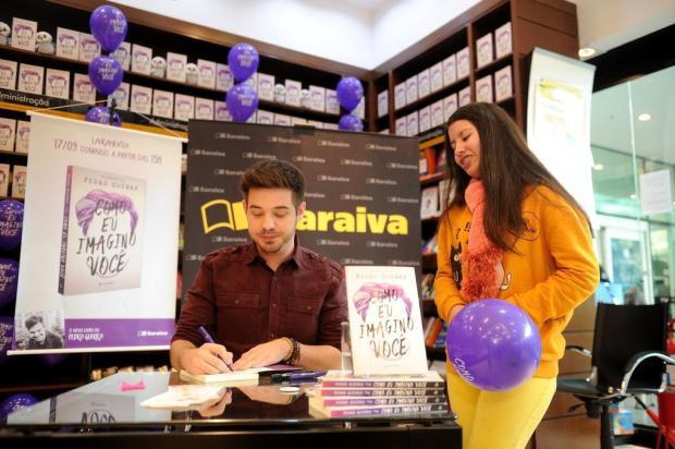 """3por4: Escritor Pedro Guerra define encontro de lançamento do livro """"Como eu Imagino Você"""": """"gratidão""""! Diogo Sallaberry/Agencia RBS"""