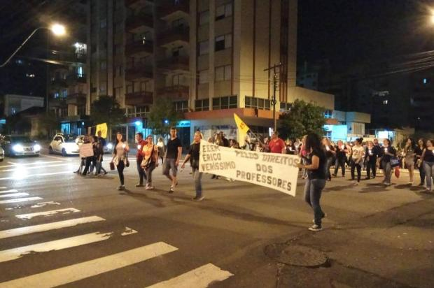 Professores e comunidade escolar protestam no centro de Caxias Lucas Demeda/Agência RBS