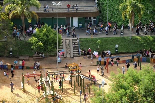 """Grupo promove manifestação contra a """"cura gay"""" no Parque dos Macaquinhos, em Caxias Diogo Sallaberry/Agencia RBS"""
