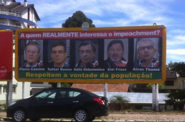 Vereadores de Caxias do Sul não irão à Justiça contra outdoors de protesto Fernando Soares/Agencia RBS