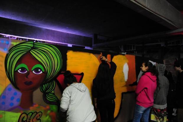 3por4: crianças participam de uma tarde no universo do hip hop Roni Rigon/Agencia RBS