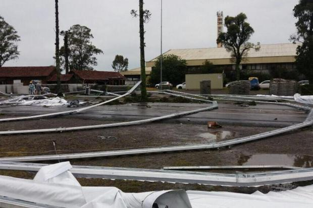 Montagem de estrutura danificada por temporal em Gramado será retomada neste sábado Gerson Sorgetz/Divulgação
