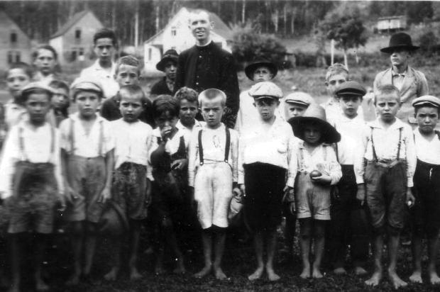 A uma semana da beatificação, conheça a dedicação do padre João Schiavo com obras sociais Acervo Congregação de São José- Josefinos de Murialdo/Reprodução