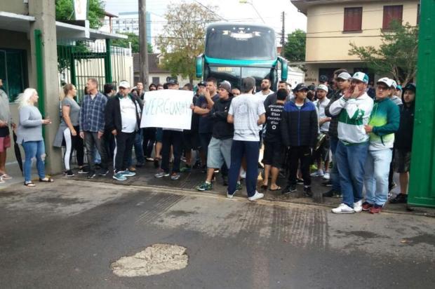 Após quarta derrota seguida, delegação do Juventude é recepcionada com protestos da torcida no Alfredo Jaconi Marcelo Rocha/Agência RBS