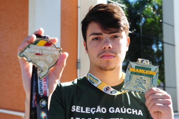 Caxiense Leonardo de Matos conquista título brasileiro juvenil de Muay Thai Boran Roni Rigon/Agencia RBS