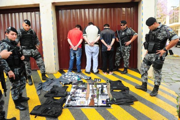 BM encontra esconderijo de armas de facção que atacou pontos de tráfico em Caxias do Sul Porthus Junior/Agencia RBS