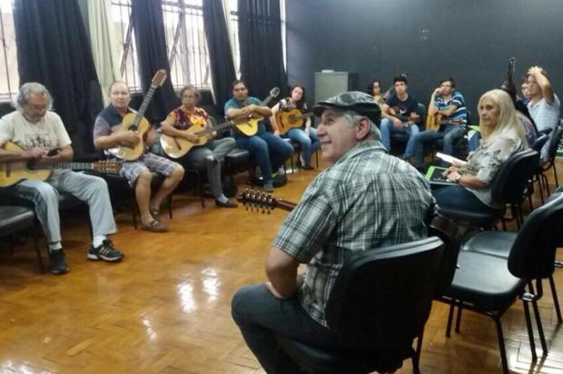 3por4: Violeiros da Serra participaram da Maior Orquestra de Viola Caipira do Mundo no último sábado, em Minas Gerais Mil VIolas/Divulgação