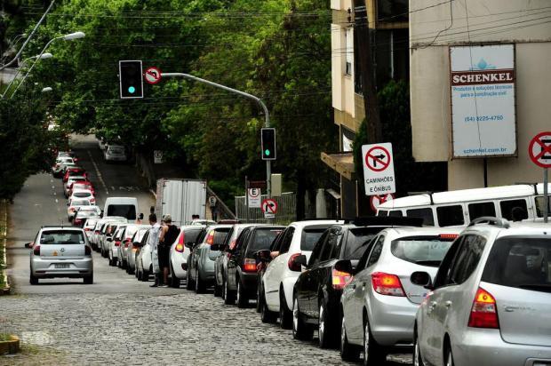 Motoristas do Uber protestam, em Caxias, contra projeto de lei que regulamenta serviços de transporte Diogo Sallaberry/Agencia RBS