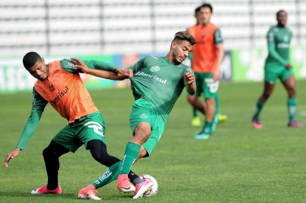 Para vencer o Ceará, Juventude foca em treinos do meio para a frente Marcelo Casagrande/Agencia RBS