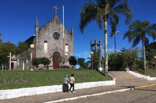 Cerca de 20 mil pessoas devem passar pela Festa do Divino, no distrito de Criúva, em Caxias Suelen Mapelli/Agência RBS
