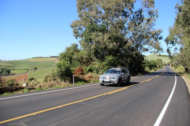 Rodovia que liga Bento Gonçalves a Dois Lajeados recebe melhorias e ponte é instalada Daer/Divulgação