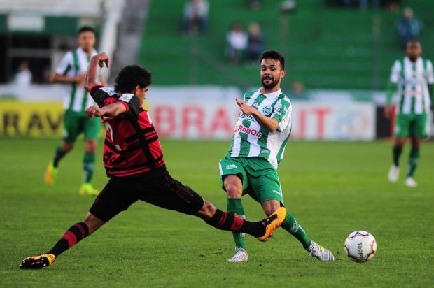Jogadores lamentam chances de gol desperdiçadas pelo Juventude Porthus Junior/Agencia RBS