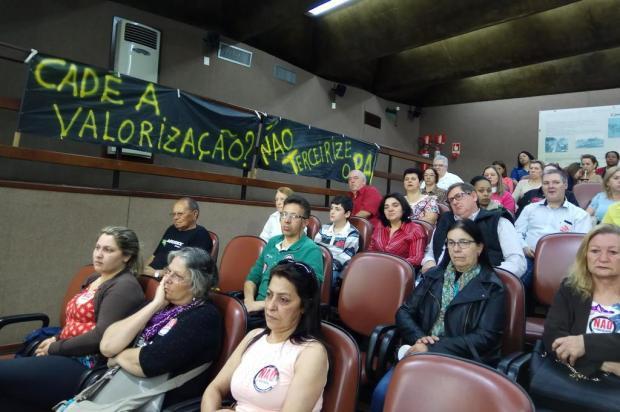Servidores protestam contra gestão compartilhada do Postão na Câmara de Caxias Lucas Demeda/Agência RBS