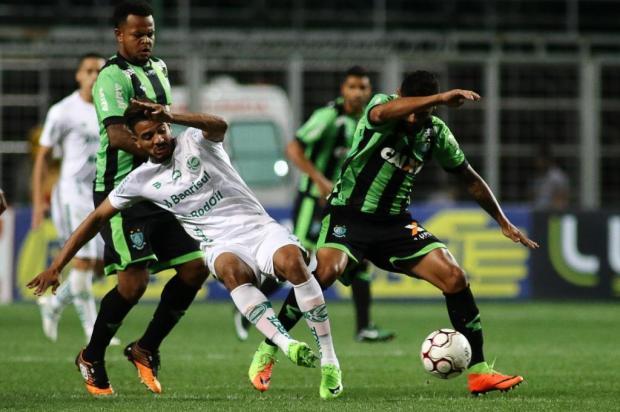 Jogadores do Ju lamentam chances perdidas em nova derrota Pedro Vale/Eleven/Folha Press