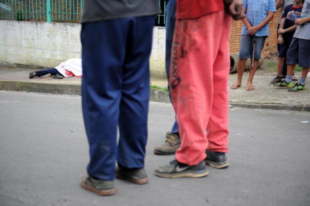 Homem é assassinado na frente de igreja no bairro Reolon, em Caxias do Sul Felipe Nyland/Agencia RBS