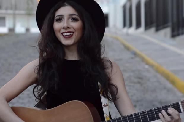 3por4: O clipe da canção autoral Gato Preto, da cantora Vic Limberger está participando do concurso Women's Music Event em parceria com a Niely Reprodução/Reprodução