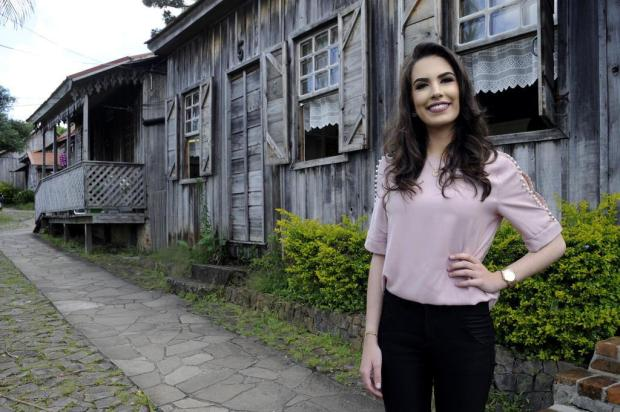 Aos 21 anos, Viviane Piamolini Gaelzer é candidata a rainha da Festa da Uva Marcelo Casagrande/Agencia RBS