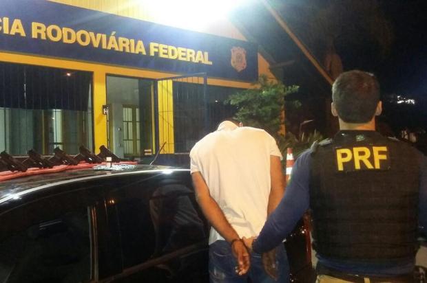 PRF prende homem e apreende armas e medicamentos em Bento Gonçalves PRF/Divulgação