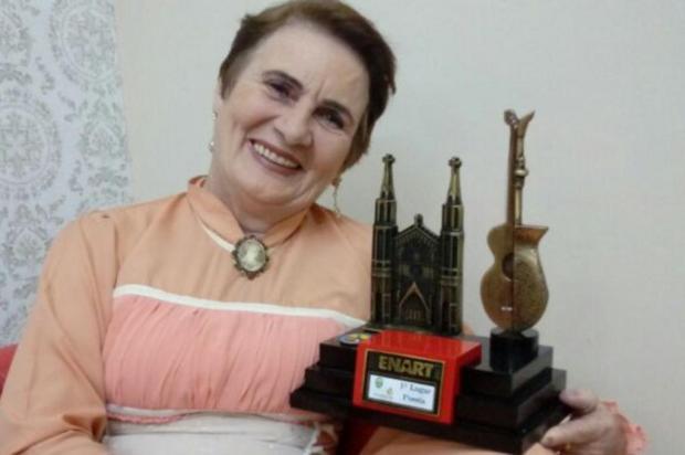 """3por4: Professora aposentada vence na categoria poesia da última edição do Enart com obra""""O Tempo e A Taipa"""" Monalisa Busetti/Divulgação"""