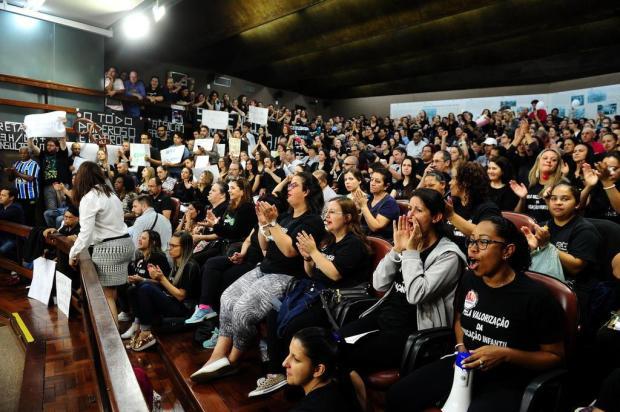 Em segundo dia de greve, educadoras voltam a se manifestar em Caxias do Sul Diogo Sallaberry/Agencia RBS