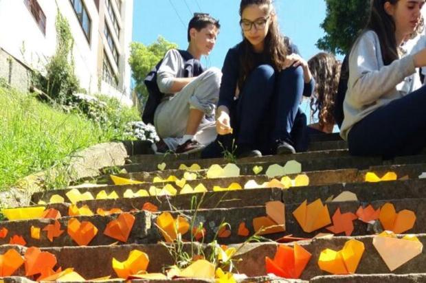 3por4: Alunos do Mutirão propõem revitalização de escadaria em Caxias Greice de Barba Razzera/Divulgação