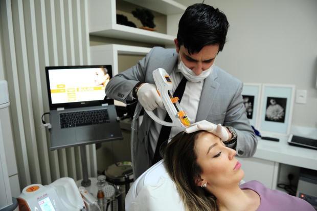 Equipamento que reúne tecnologias de ponta para tratamento capilar está disponível em Caxias Diogo Sallaberry/Agencia RBS