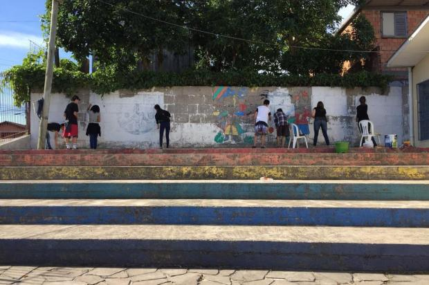 Estudantes e professores se unem para reformar horta e pintar muros de escola pública de Caxias Rosilaine Krammer/Divulgação