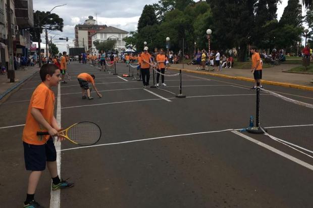 Tênis invade o centro de Vacaria com o projeto 'Lapidando Cidadãos' Jean Prado/Agência RBS