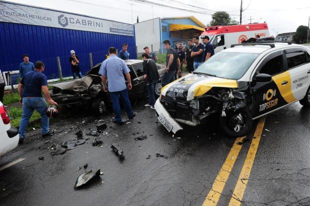 Acidente deixa três feridos no bairro Santa Lúcia Cohab, em Caxias Porthus Junior/Agencia RBS