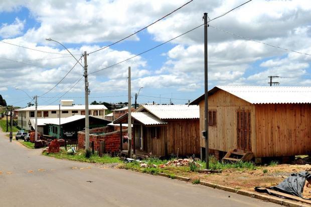 Estudantes e professores da UCS elaboram material com orientações para construção de edificações mais resistentes a temporais Diogo Sallabery/Agencia RBS