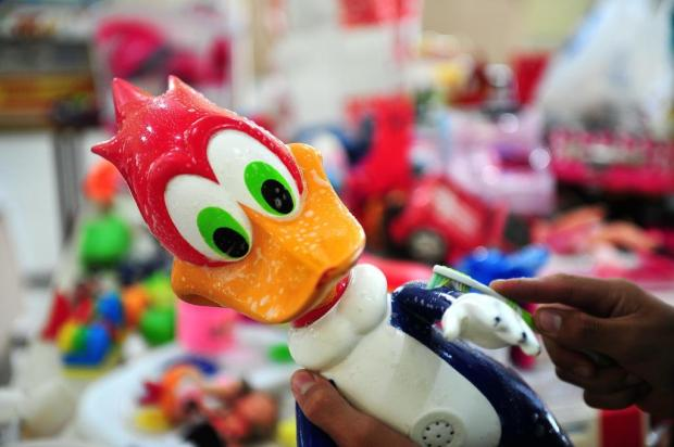 Voluntários arrecadam brinquedos neste sábado na Praça Dante, em Caxias, para festa de Natal Diogo Sallaberry/Agencia RBS