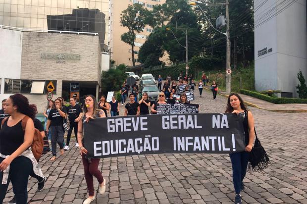 Representantes da cultura, educação e saúde protestam em Caxias Kamila Mendes / Agência RBS/Agência RBS