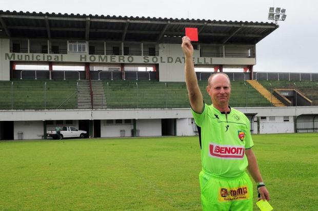 Amadores Futebol Clube: conheça o juiz Ademir Zulianello Marcelo Casagrande/Agencia RBS