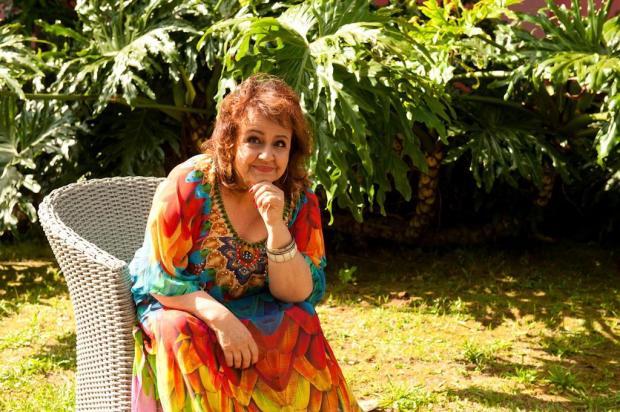 Cantora Clara Escobar homenageia os compositores caxienses dos anos 60 em CD de estreia Maurício Concatto/Divulgação