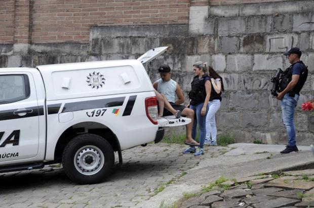 Polícia Civil apreende grande quantia em dinheiro, drogas e armas em Caxias do Sul Marcelo Casagrande/Agencia RBS