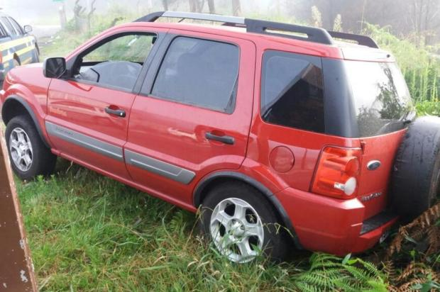 Após sofrer acidente, motorista é encontrado dormindo dentro do veículo e é preso por embriaguez em Caxias PRF/Divulgação
