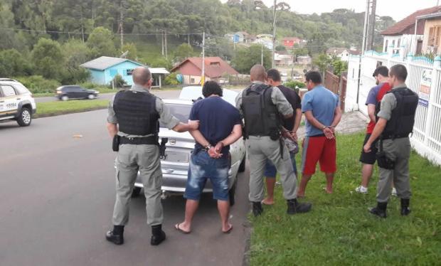 Quatro detentos do regime semiaberto de Canela são presos portando drogas que venderiam em presídio Brigada Militar de Canela / Divulgação/Divulgação