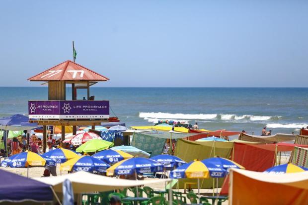 Final de semana será de calor, mas há chance de chuva na praia Isadora Neumann/Agencia RBS