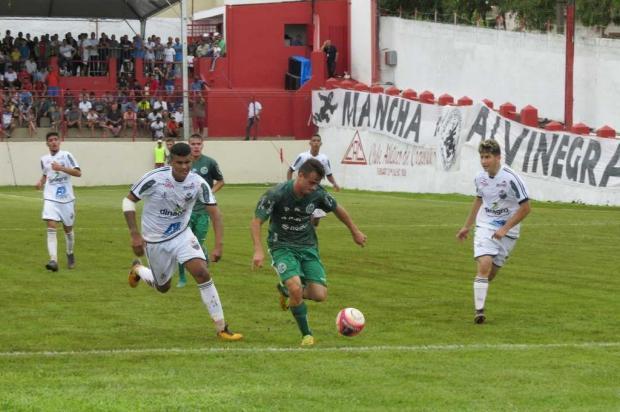 Vitória sobre o Comercial -SP na Copinha deixa o Juventude a um empate da classificação Kennedy Oliveira/Divulgação